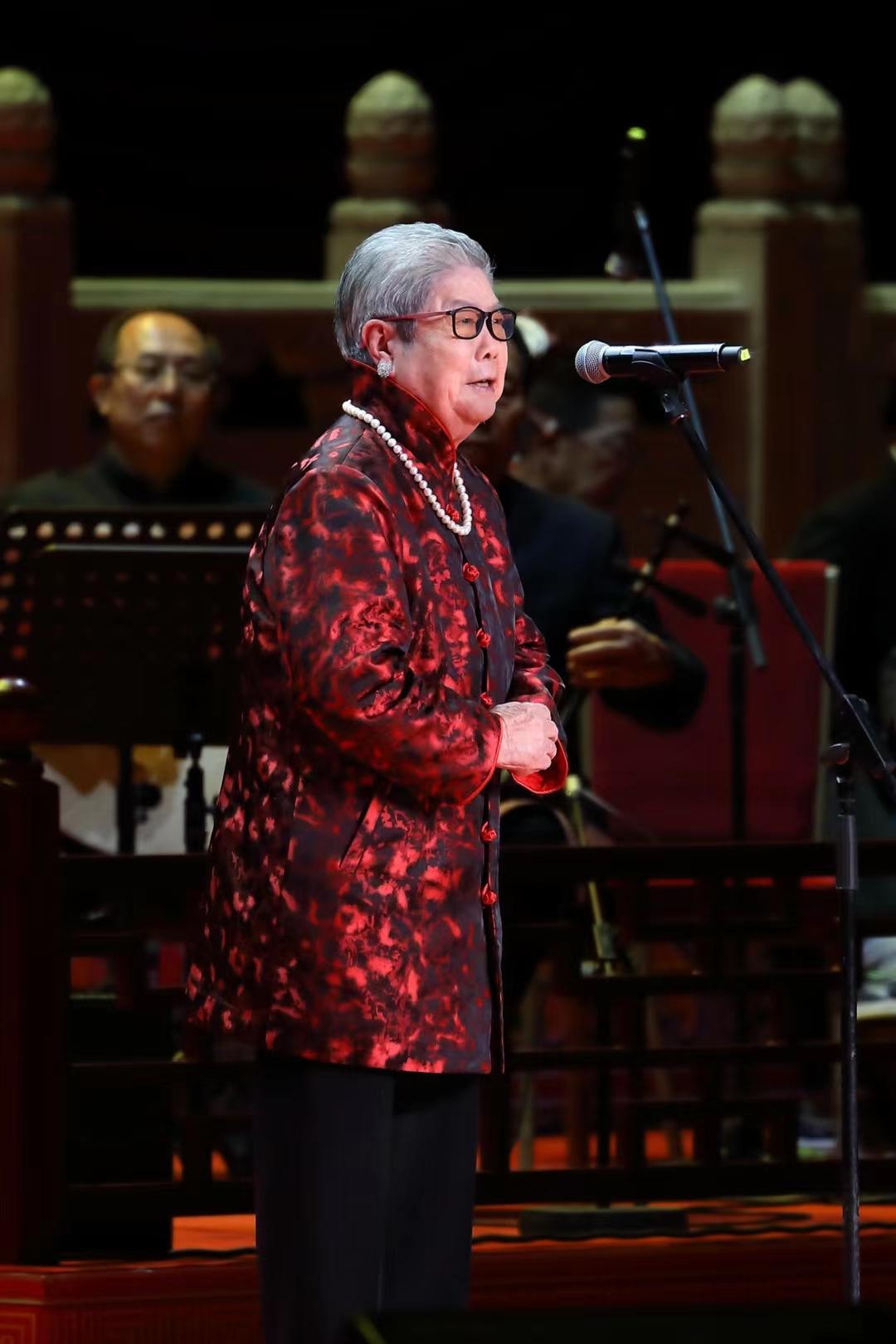 87岁著名老旦演出艺术家李鸣岩去世